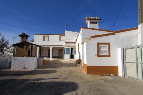 7 Bed Villa For Sale – Olhão