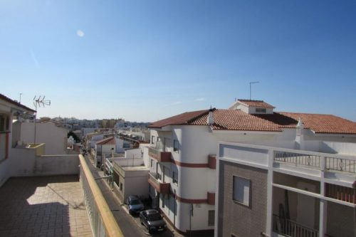 4 Bed Townhouse For Sale – Quarteira