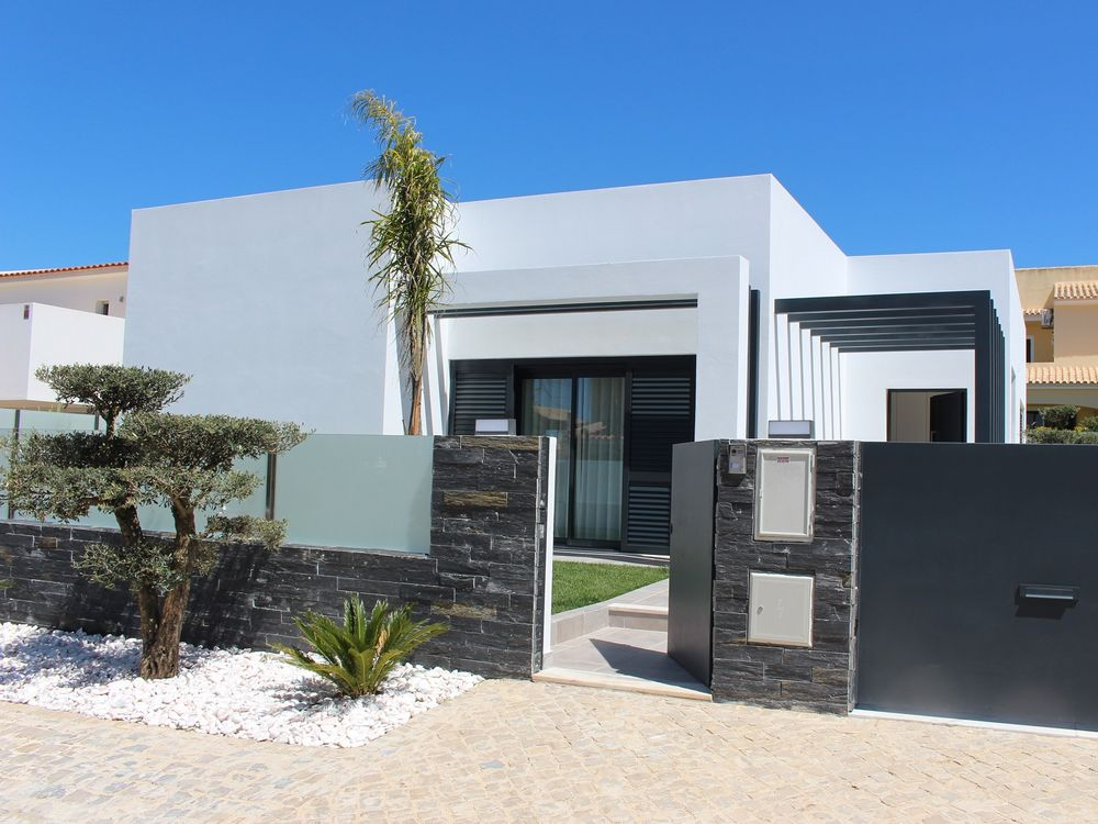 maison 4 pi ces 3 chambres vendre vilamoura algarve fp15676. Black Bedroom Furniture Sets. Home Design Ideas