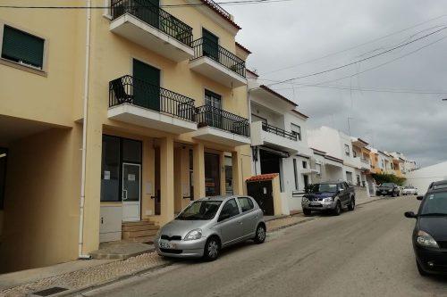 Commercial Store For Sale – Estômbar