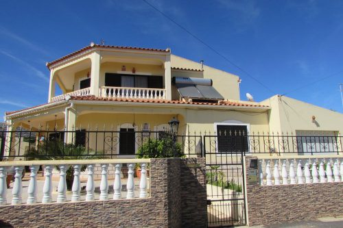 5 Bed Villa For Sale – Quarteira