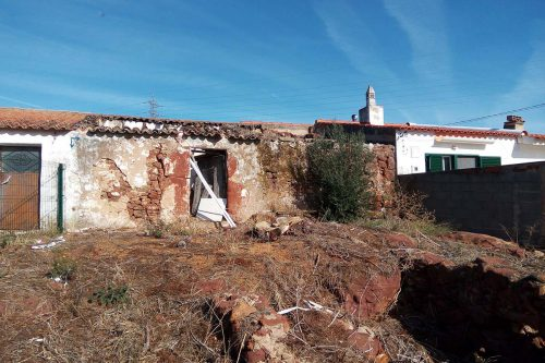 Land with ruin For Sale – Mexilhoeira Grande