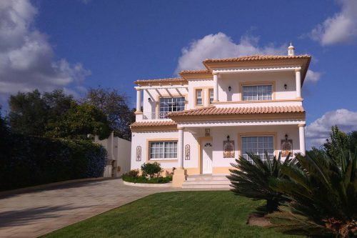 5 Bed Villa For Sale – Almancil