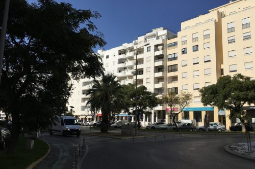 3 Bed Apartment For Sale – Quarteira