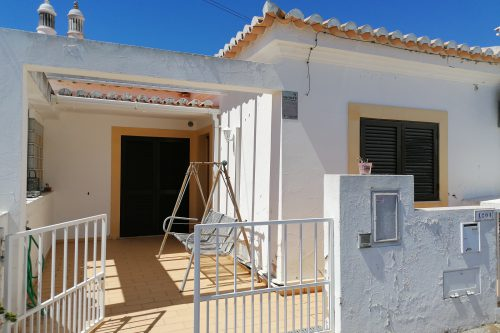 2+1 Bed Villa For Sale – Alvor