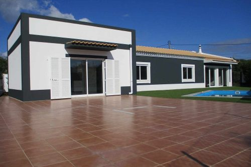 3 Bed Villa and Studio For Sale – Santa Barbara de Nexe